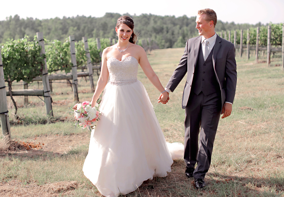 enoch stomp Texas vineyard wedding
